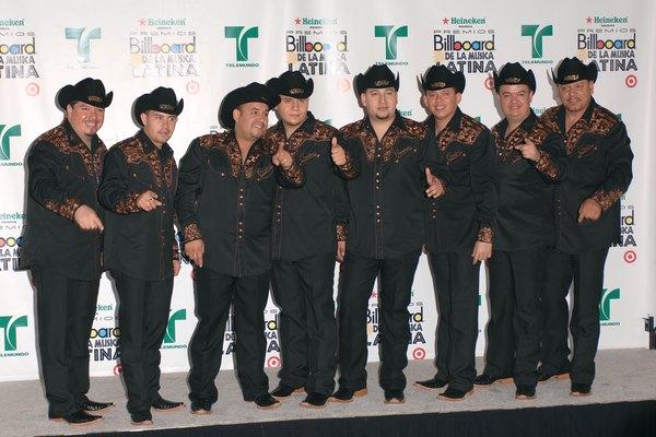 El grupo musical Los Creadorez Del Pasito Duranguense.