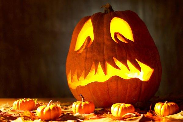 Aprende cómo hacer un disfraz del Jinete sin cabeza desde tu casa para usar durante la noche de Halloween.