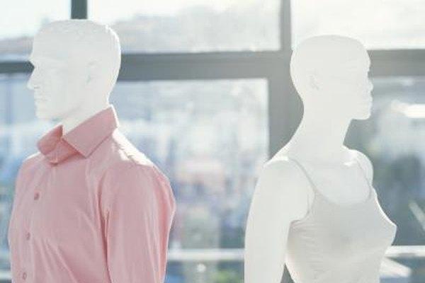 Los maniquíes suman un estilo decorativo y a la vez funcional para mostrar las prendas.
