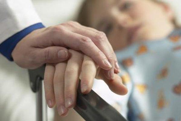 Los psicólogos clínicos pueden especializarse en el tratamiento de ciertas poblaciones, como los niños o los ancianos.