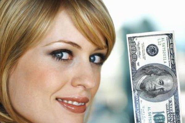 Darles a los empleados un poco más en sus cheques de pago es sólo una manera de ofrecer recompensas de rendimiento.