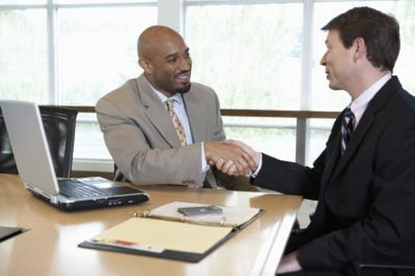 Un buen plan de negocios puede abrir puertas para financiamientos bancarios.