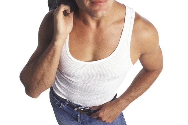 Mercury usaba tirantes sin camiseta muy a menudo.