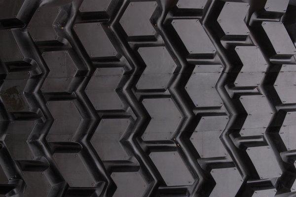 Cada tamaño de neumático está diseñado para ajustarse a un ancho específico de la llanta.