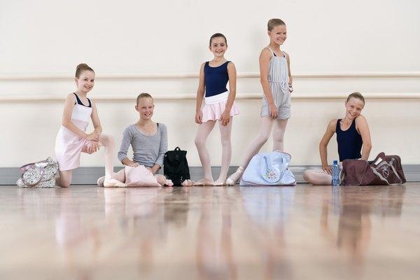 Comenzar la danza clásica en puntas desde muy jóvenes puede causar lesiones graves.
