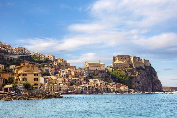 Ruinas, Messina, Italia.