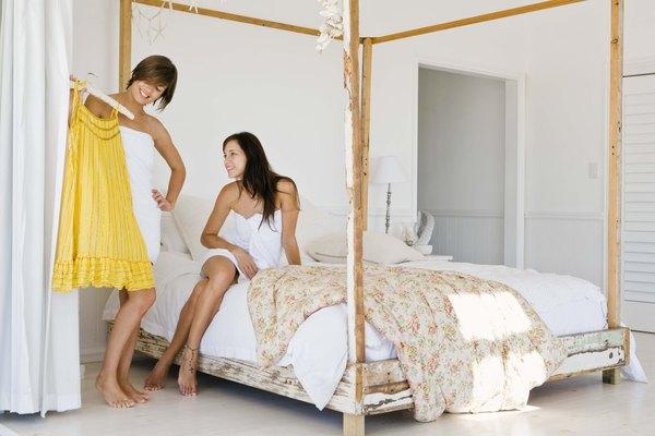 Un vestido de campesina en talla para niña o mujer es un proyecto de costura ideal para principiantes.