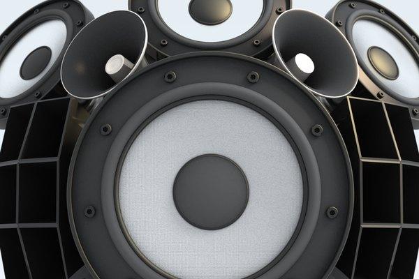 El decibel, que es una unidad de medida de los niveles de ruido y se expresa en dB, se utiliza en los campos de la comunicación, la electrónica y las señales.