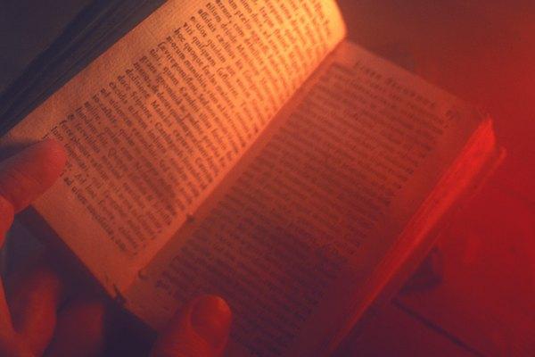 Los géneros literarios identifican el tipo de obra que lees.