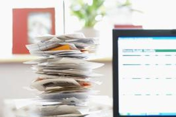 Cada vez más empresas están cambiando a usar servicios de mercadotecnia por web para promover productos y servicios.
