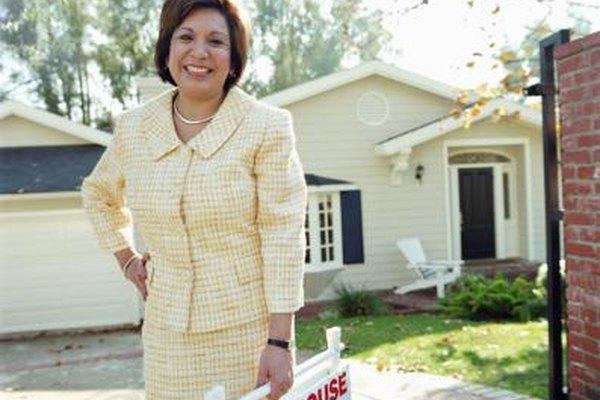 En tu negocio de bienes raíces, puedes aprovechar algunas deducciones de impuestos asociadas a tu trabajo.