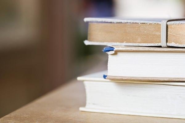 Reemplazar una página de un libro es un arreglo de cinco minutos.