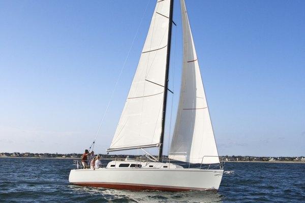 La lona se creó a principios del siglo XVIII para usarse en embarcaciones.