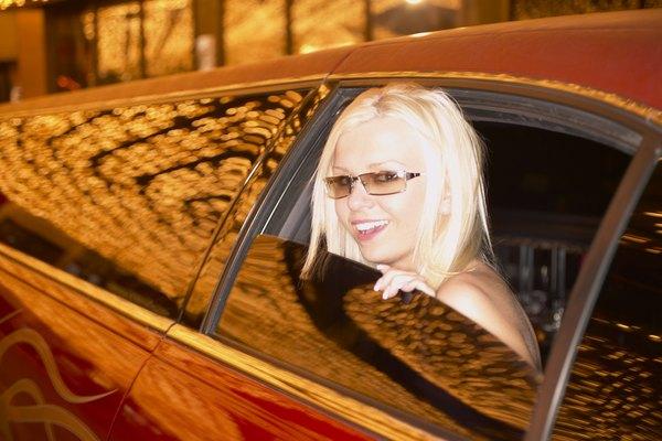 Las limusinas utilizan tintes para ventana más oscuros permitidos en las carreteras.