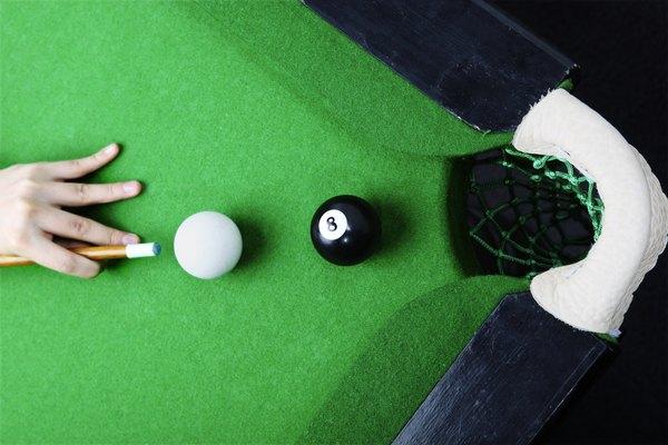 La bola blanca y la bola 8.