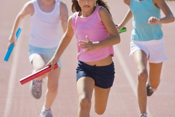 Los juegos de educación física pueden hacer que el ejercicio sea divertido para los niños.