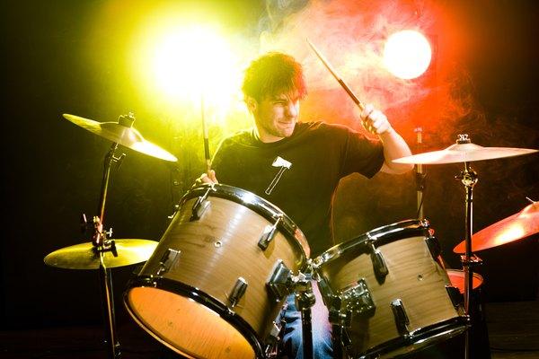 Aprende a tocar la batería jugando.