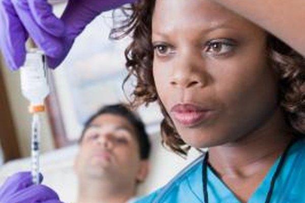 Las enfermeras de grado asociado son de alta demanda en el mercado laboral.