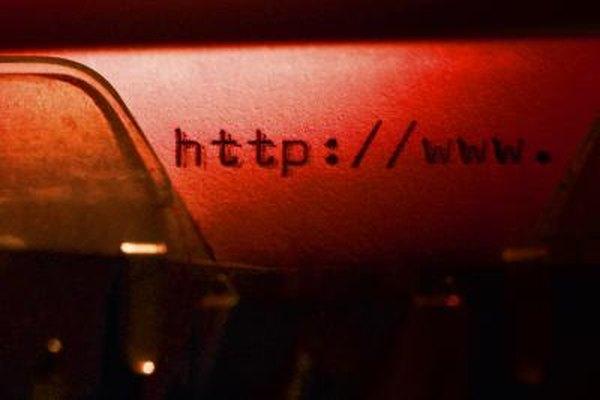 Navegar por Internet para un trabajo tiene sus pros y sus contras.