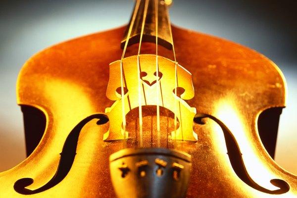Los violonchelos están hechos por lo general de abeto y arce.