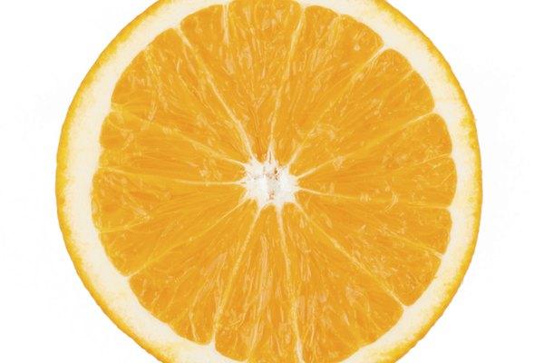 El ácido cítrico está presente en grandes cantidades en las frutas cítricas.