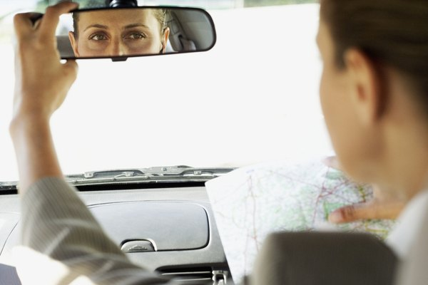 El espejo retrovisor es una parte muy importante del coche, ya que te permite visualizar los autos que vienen detrás tuyo.