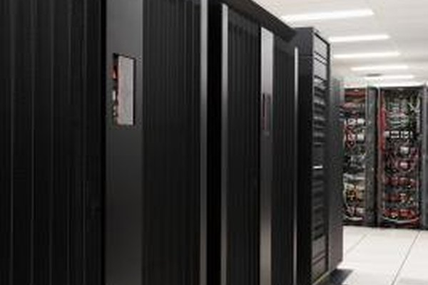 Las grandes empresas con grandes intranets suelen invertir miles de dólares en infraestructura tecnológica.