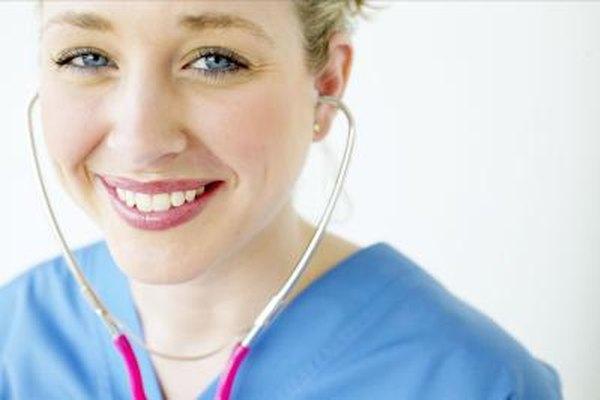 Las enfermeras con una licenciatura en la disciplina tienen más oportunidades de promoción profesional que las que tienen un grado de asociado.