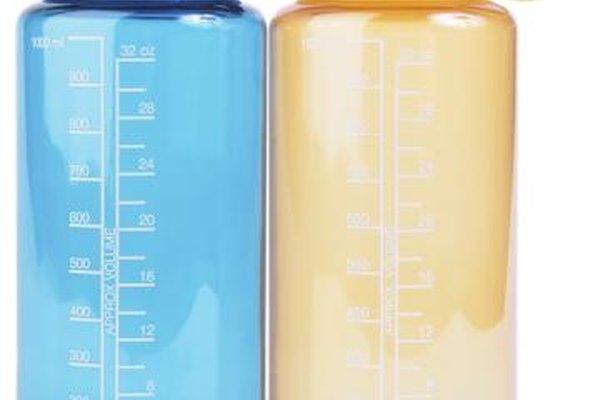 Las pequeñas botellas de agua pueden ser utilizadas para otros líquidos.