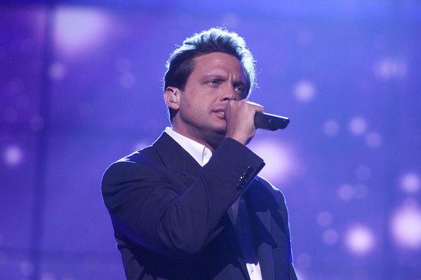 Luis Miguel comenzó su carrera musical en el año 1982.