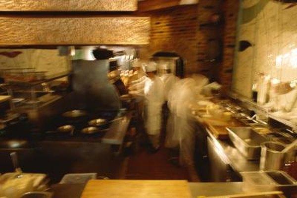 Manejar un restaurante requiere que estés en piso y en la cocina.