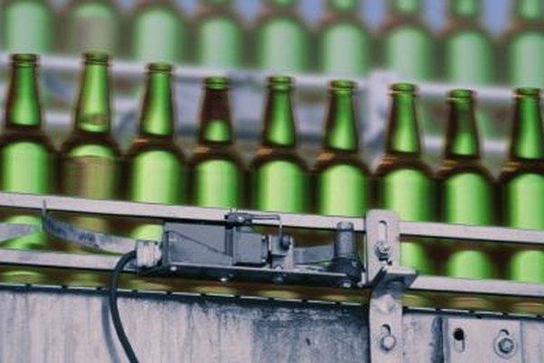 Los gastos generales de fabricación se asignan a las unidades de producción.