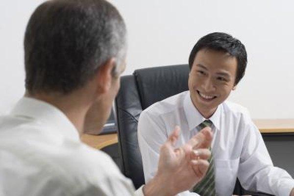 Un gerente de contratación puede preguntarte sobre tus expectativas salariales en una entrevista.