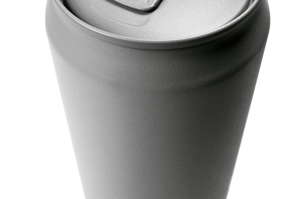 Perfora la lata.