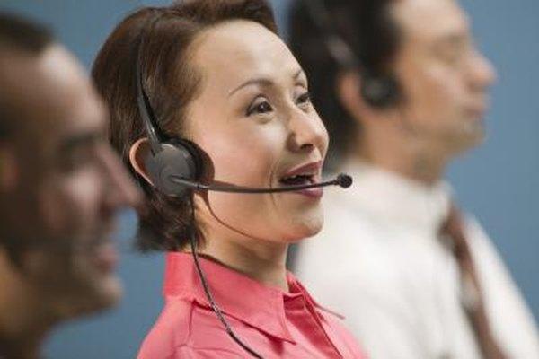 Los representantes de servicio al cliente a menudo trabajan noches y fines de semana.