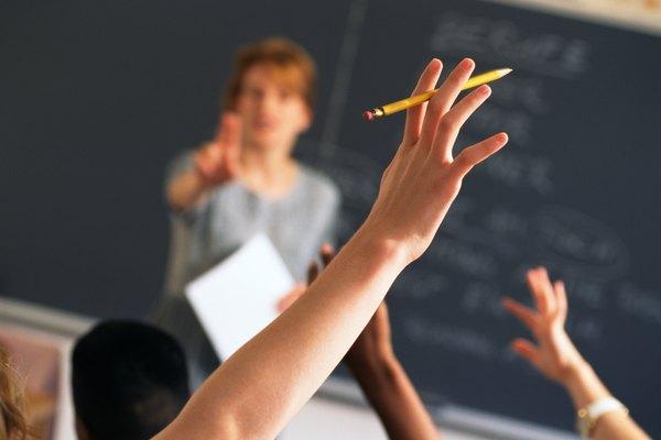 Los proyectos finales son útiles para profesores y maestros, ya que evalúan los conocimientos de un estudiante con muchos medios.