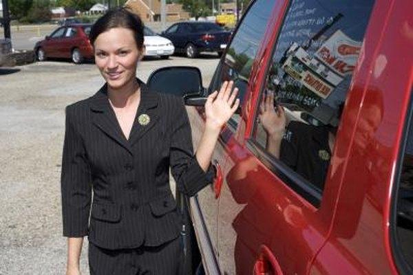 Una LLC puede comprar, vender o retener la propiedad privada como un vehículo.