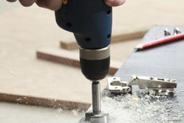 Inicia un negocio de mantenimiento con una pequeña inversión en herramientas y capacitación.