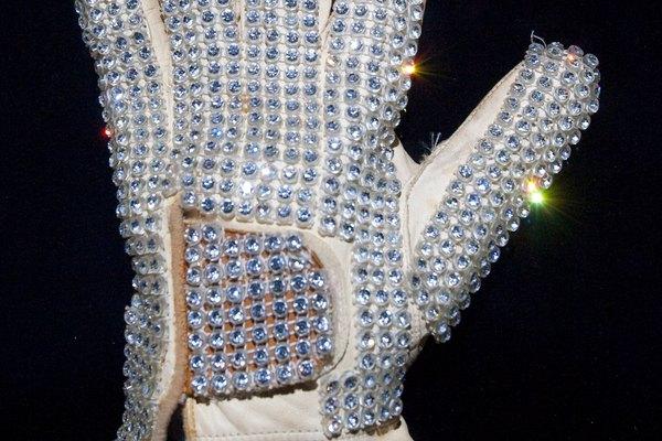 Haz una versión hecha en casa del famoso guante de Michael Jackson.