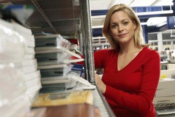 Un supervisor de almacén requiere buenas habilidades administrativas.