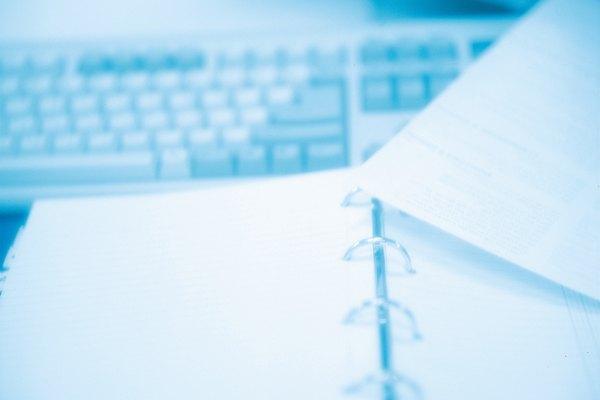 La estructura adecuada de un párrafo es esencial para escribir ensayos universitarios.