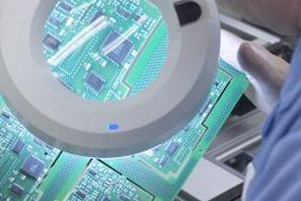 Una inspección visual es frecuentemente el primer paso en el proceso de calidad.