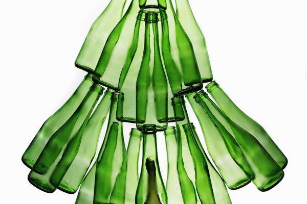 Árbol de botellas recicladas.