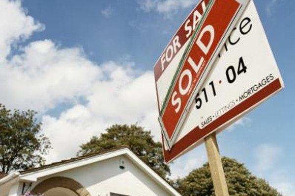 La cuota de ventas es lo que se les ofrecen a los vendedores por un numeros de unidades vendidas.