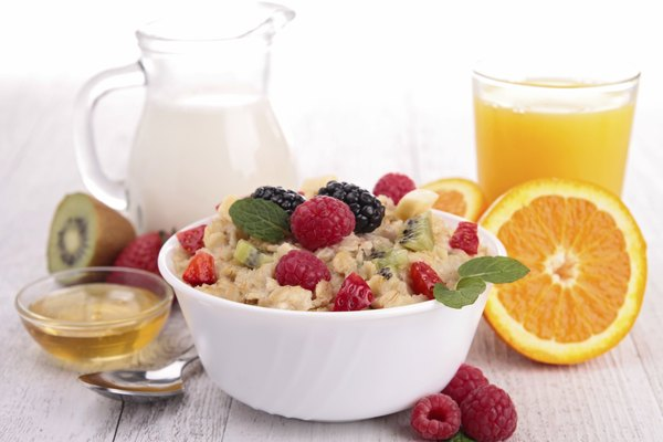 healthy breakfast, porridge with berries