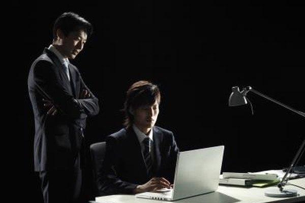 La estrategia de marketing de un plan de negocios incluye la realización de un análisis completo de la competencia.