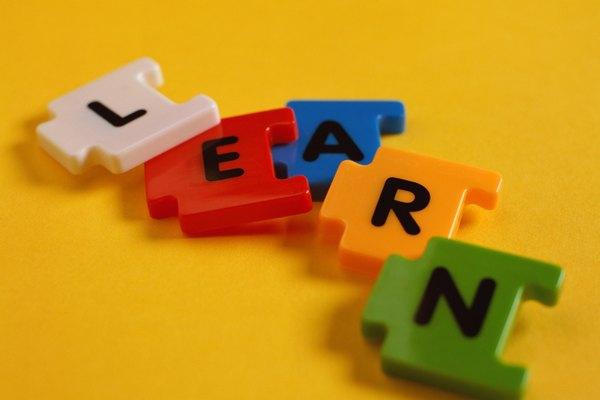 Permite a los jugadores aprender la ortografía correcta de las palabras.