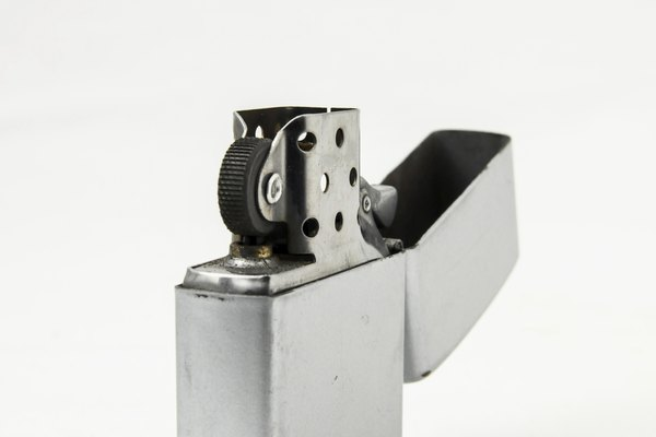 Coleccionar encendedores Zippo ha sido un pasatiempo popular tanto para fumadores como para no fumadores.