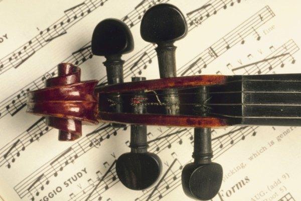 Las cuatro clavijas del violín se usan para crear tensión en las cuerdas.