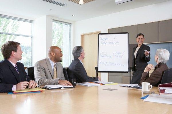 Una corporación es una organización que busca ganancias vendiendo bienes o servicios.